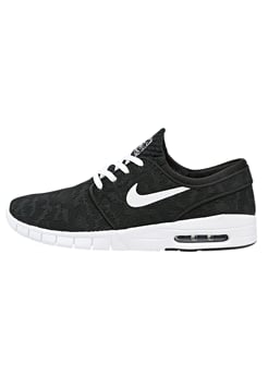 Nike Black 902j